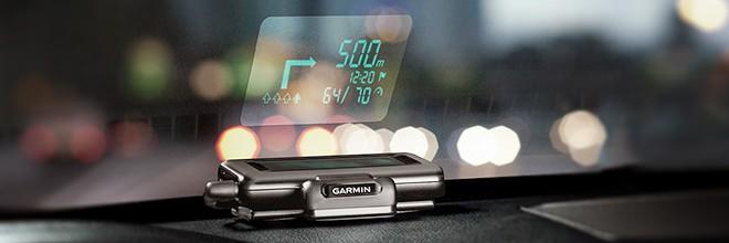 Garmin affiche les directions à suivre sur le pare-brise